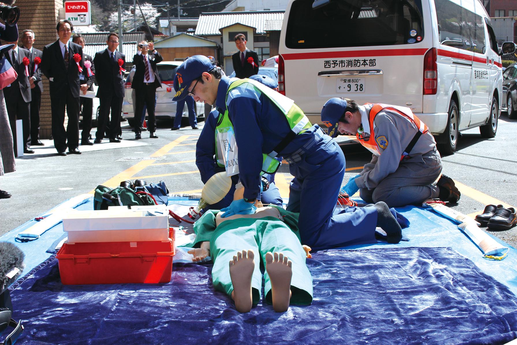 全国初、救急隊員を再編成新たな救急体制で市民を守る